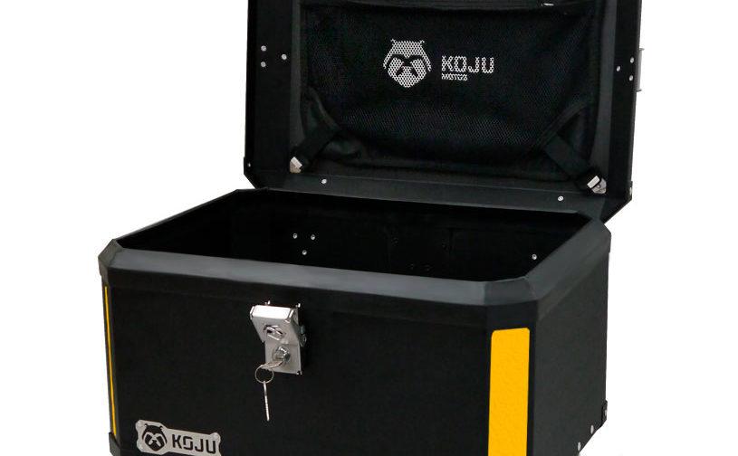 Maletero en aluminio 47L casco y medio para moto color negro reflectivo amarillo con organizador de tapa Koju Motos 1