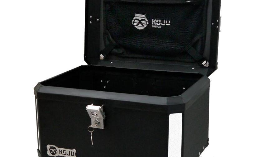 Maletero en aluminio 47L casco y medio para moto color negro reflectivo gris con organizador de tapa Koju Motos 1